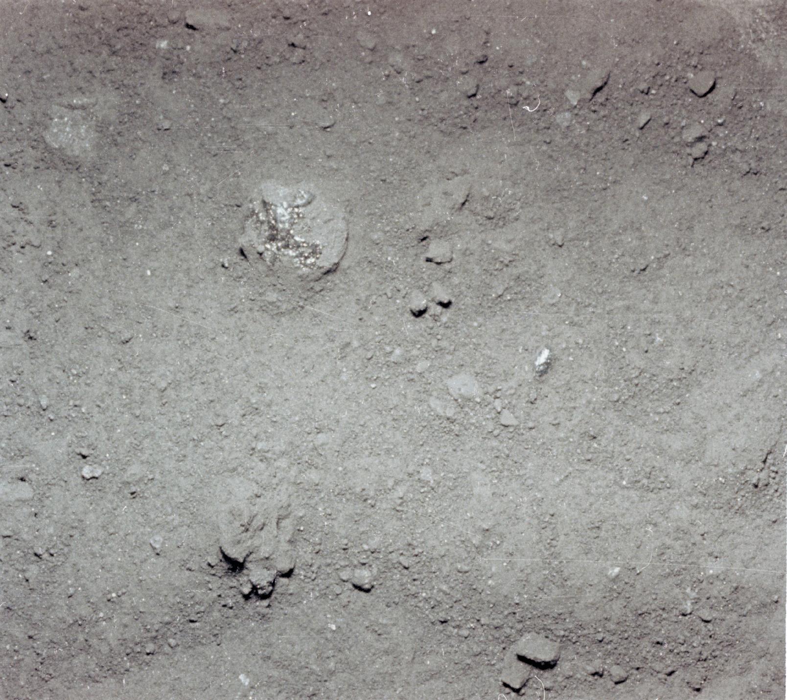 Lunar Soil Texture