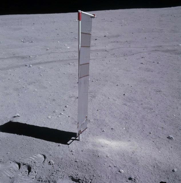 Apollo 16 Solar Wind Experiment