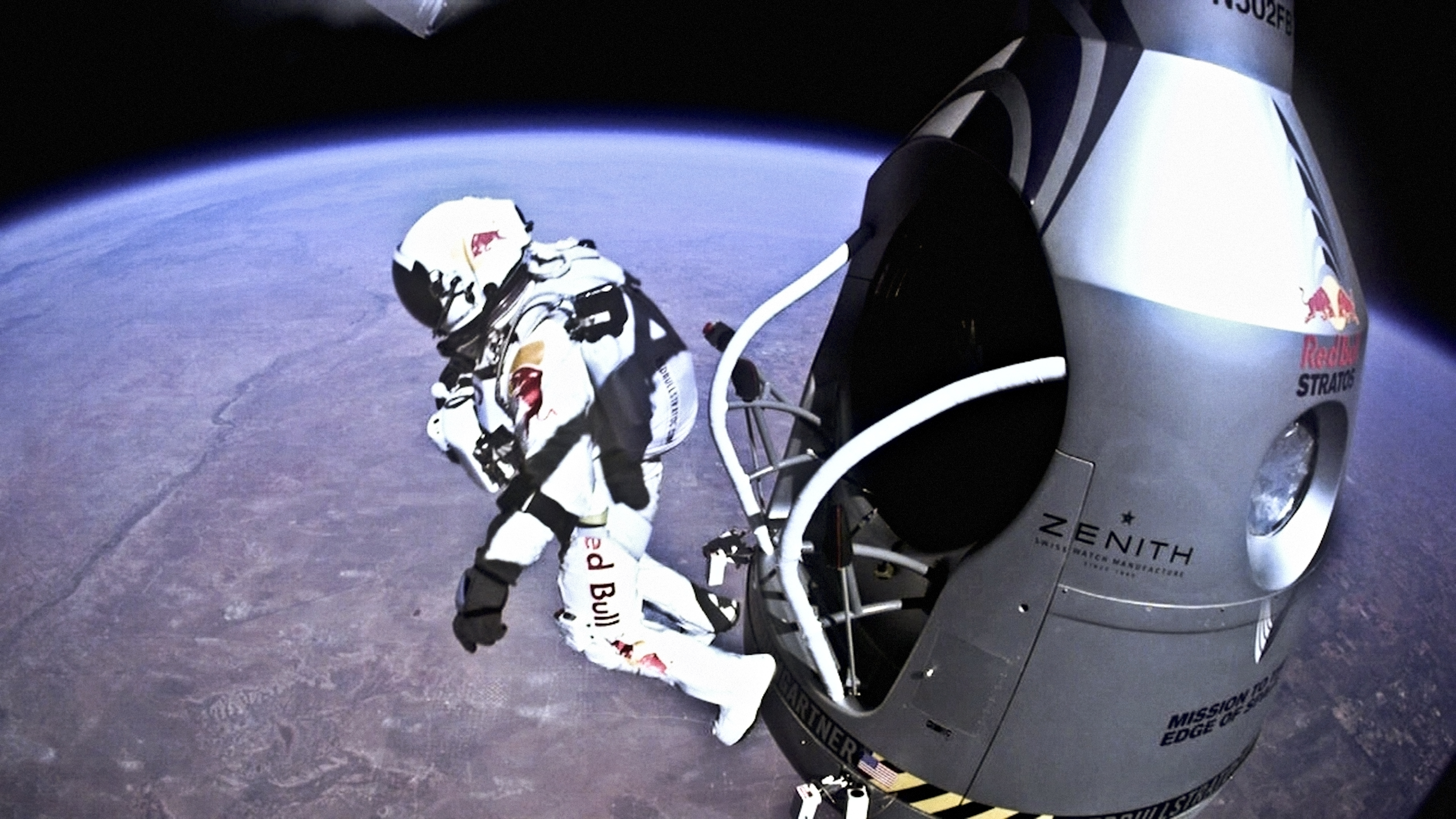 Red Bull Stratos - Mission Jump