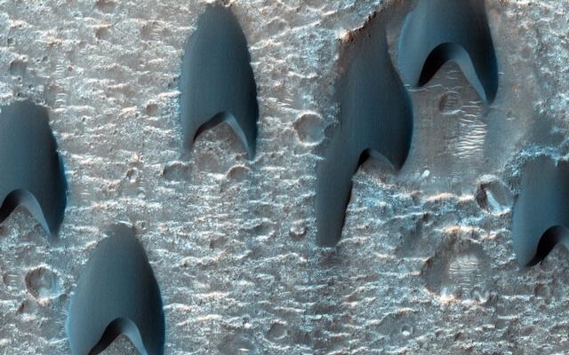 Barchan Dunes on Mars