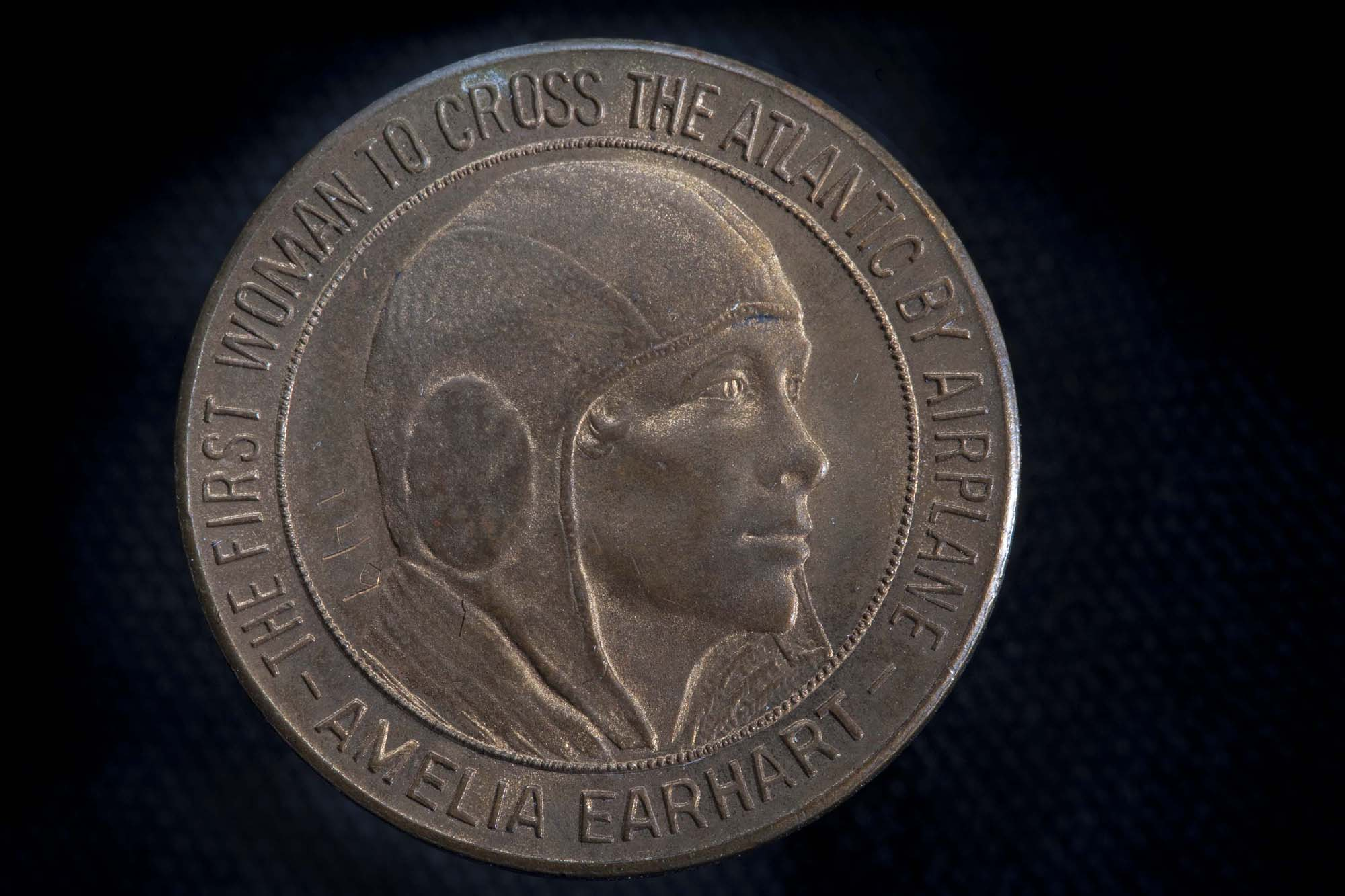 Amelia Earhart First Woman to Cross the Atlantic by Airplane Medal (Front)