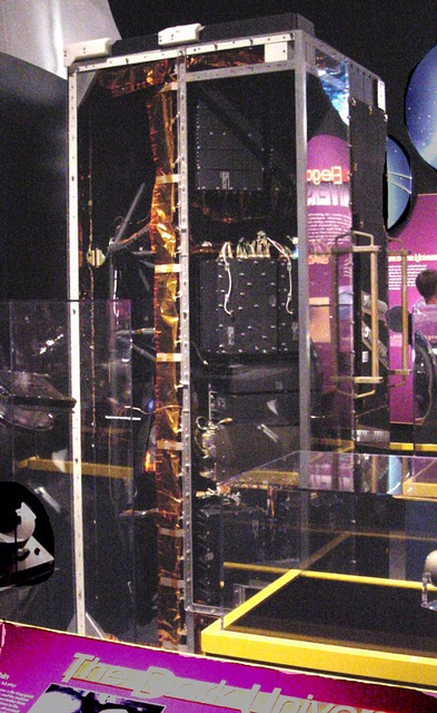 Spectrograph, Faint Object, Hubble Space Telescope (FOS)