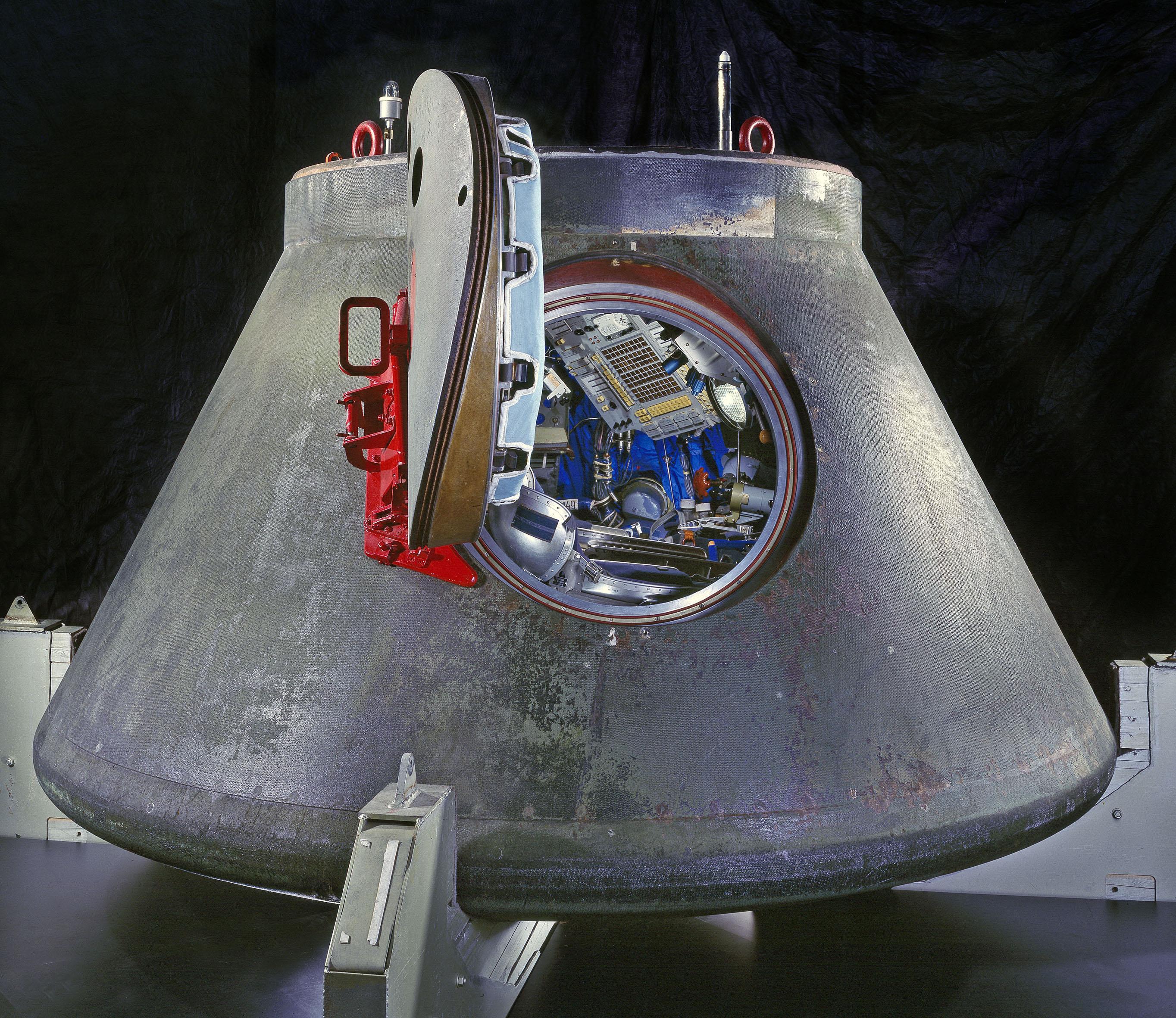 Merkur Capsule