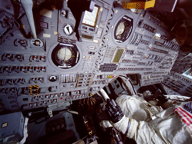 Apollo Command Module, Interior (Cockpit)