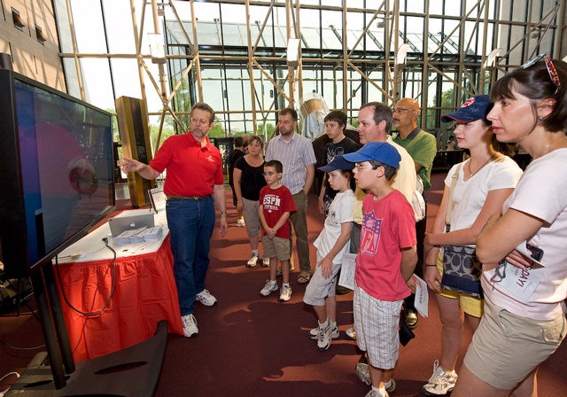 Visitors Learn about Mars Missions at Mars Day!