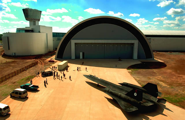 SR-71 Moves into the Udvar-Hazy Center