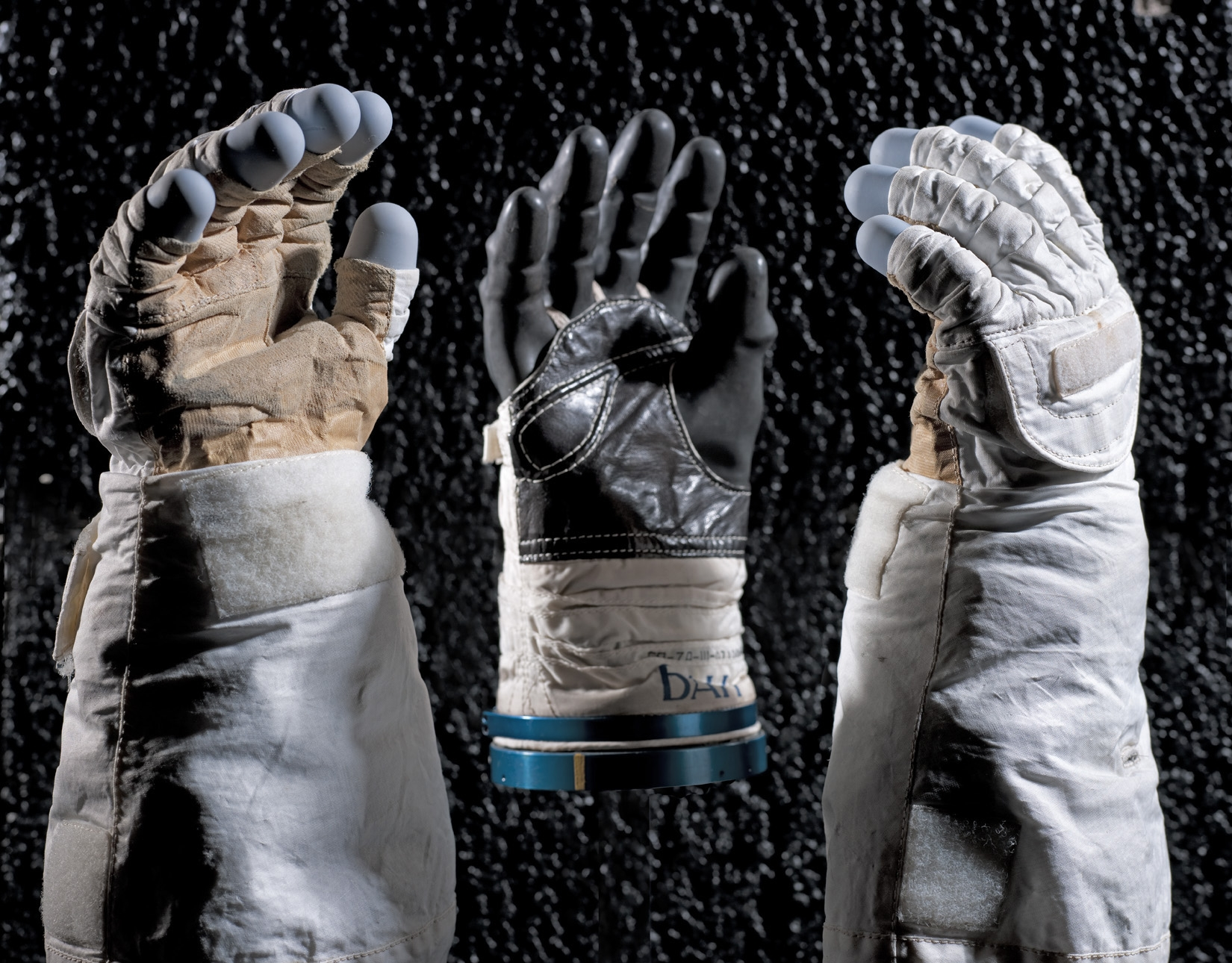 Moving Beyond Earth - Gloves
