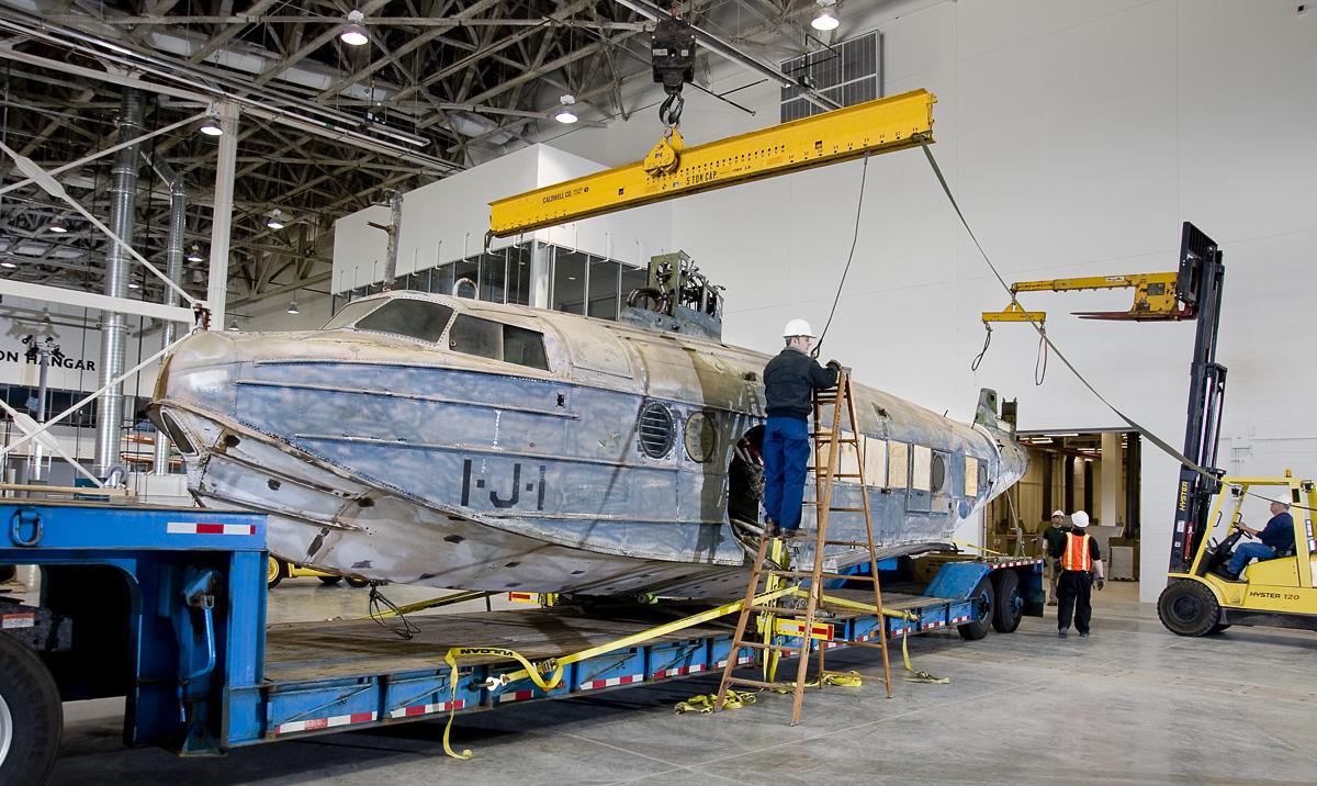 Sikorsky JRS-1 Prepared to Offload at Udvar-Hazy Center