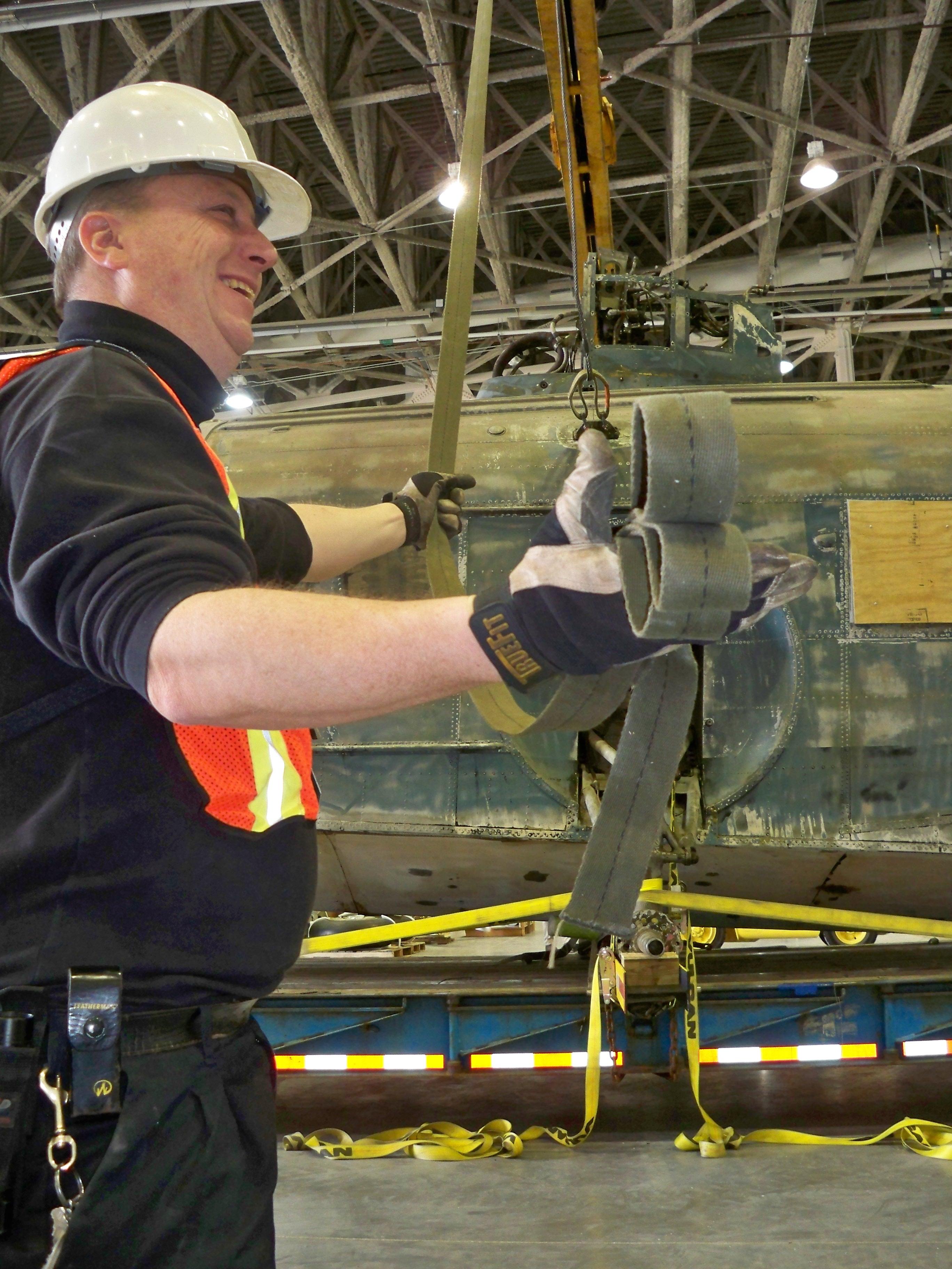 Offloading Sikorsky JRS-1