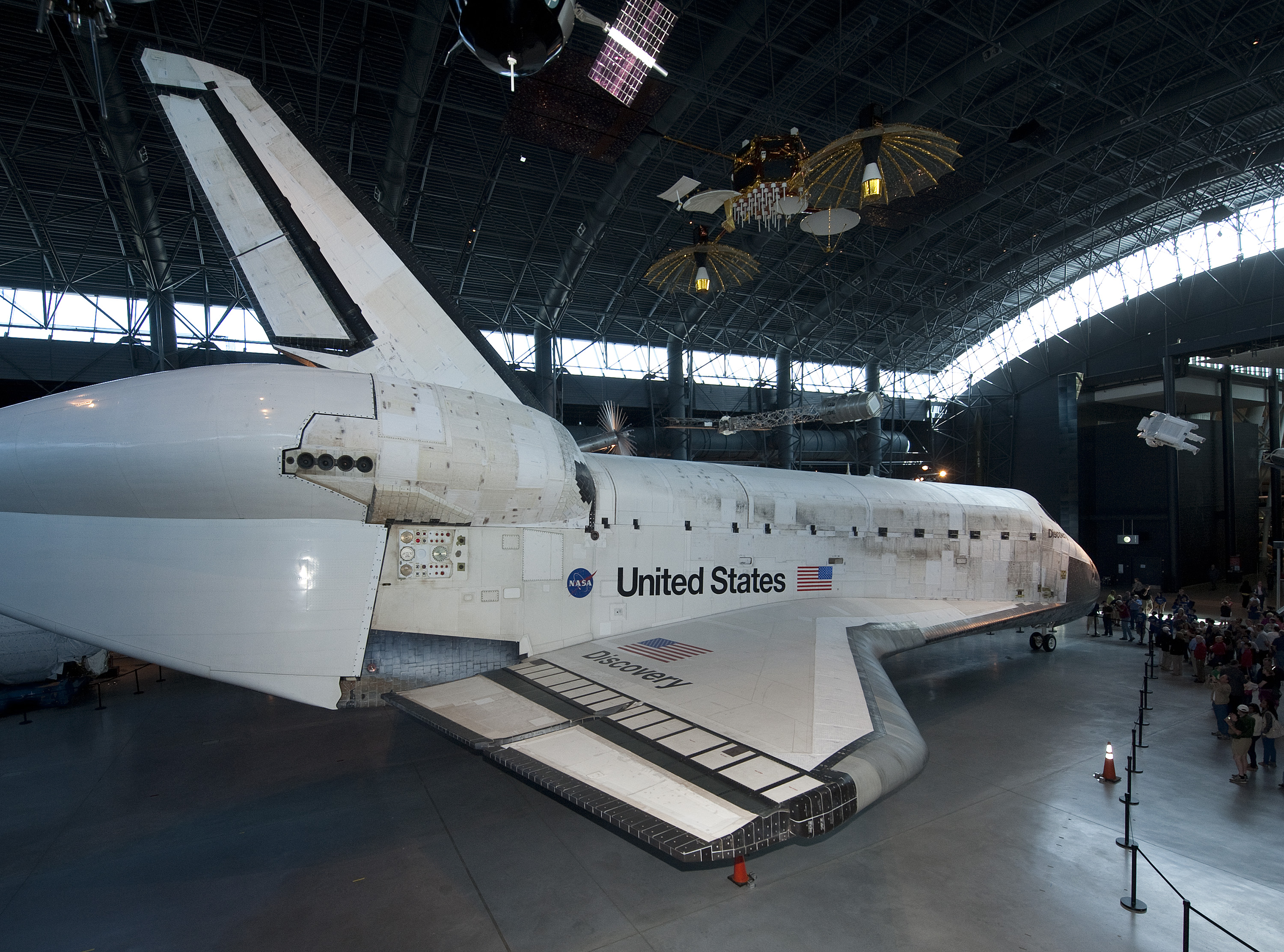 where did the space shuttle discovery go - photo #11
