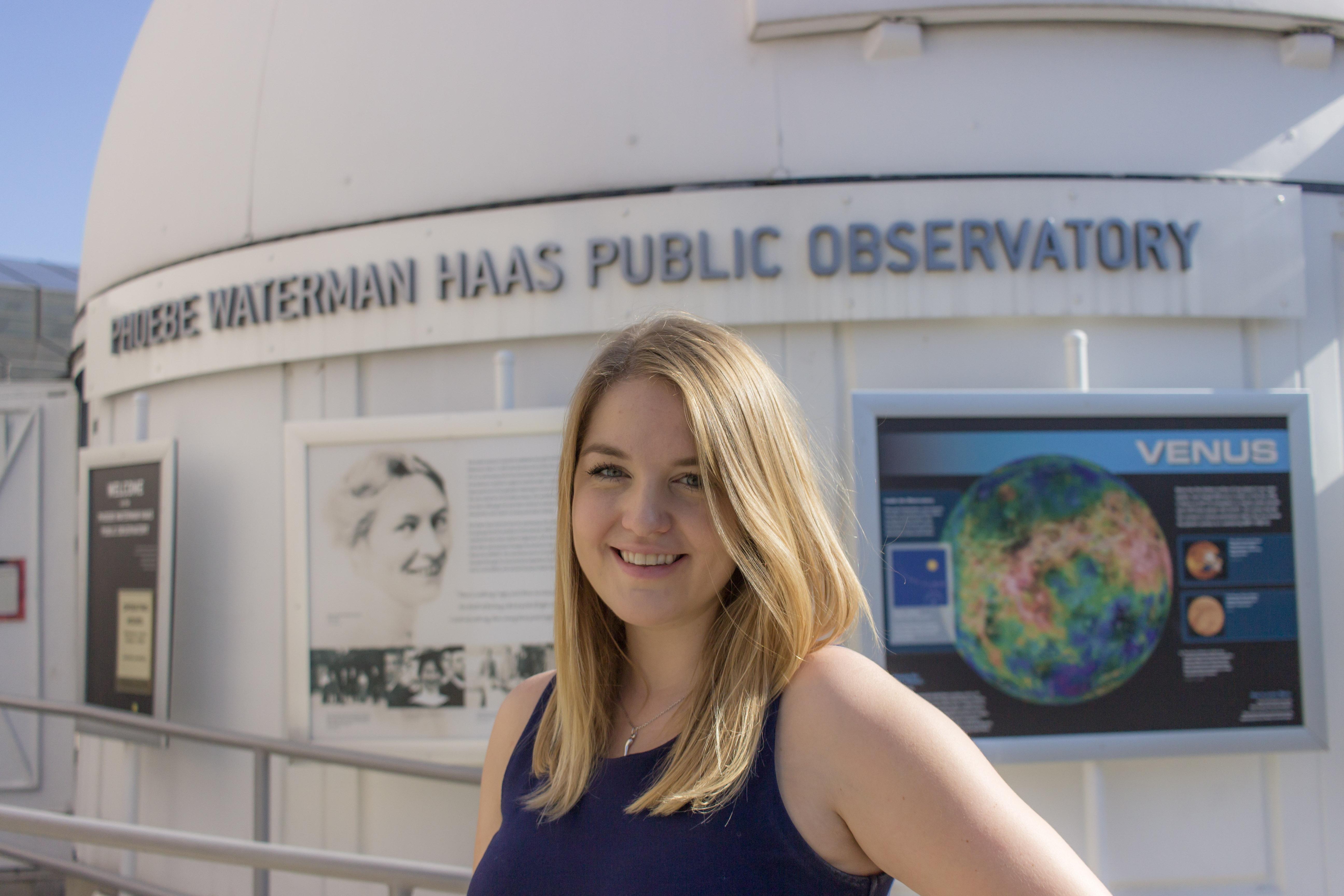 Portrait of Rebecca Ljungren in front of Observatory