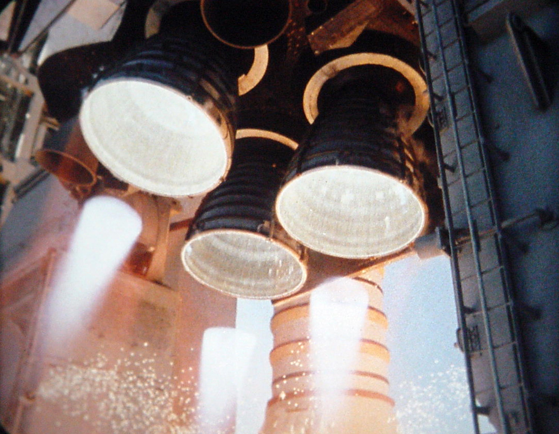 space shuttle engine start - photo #20