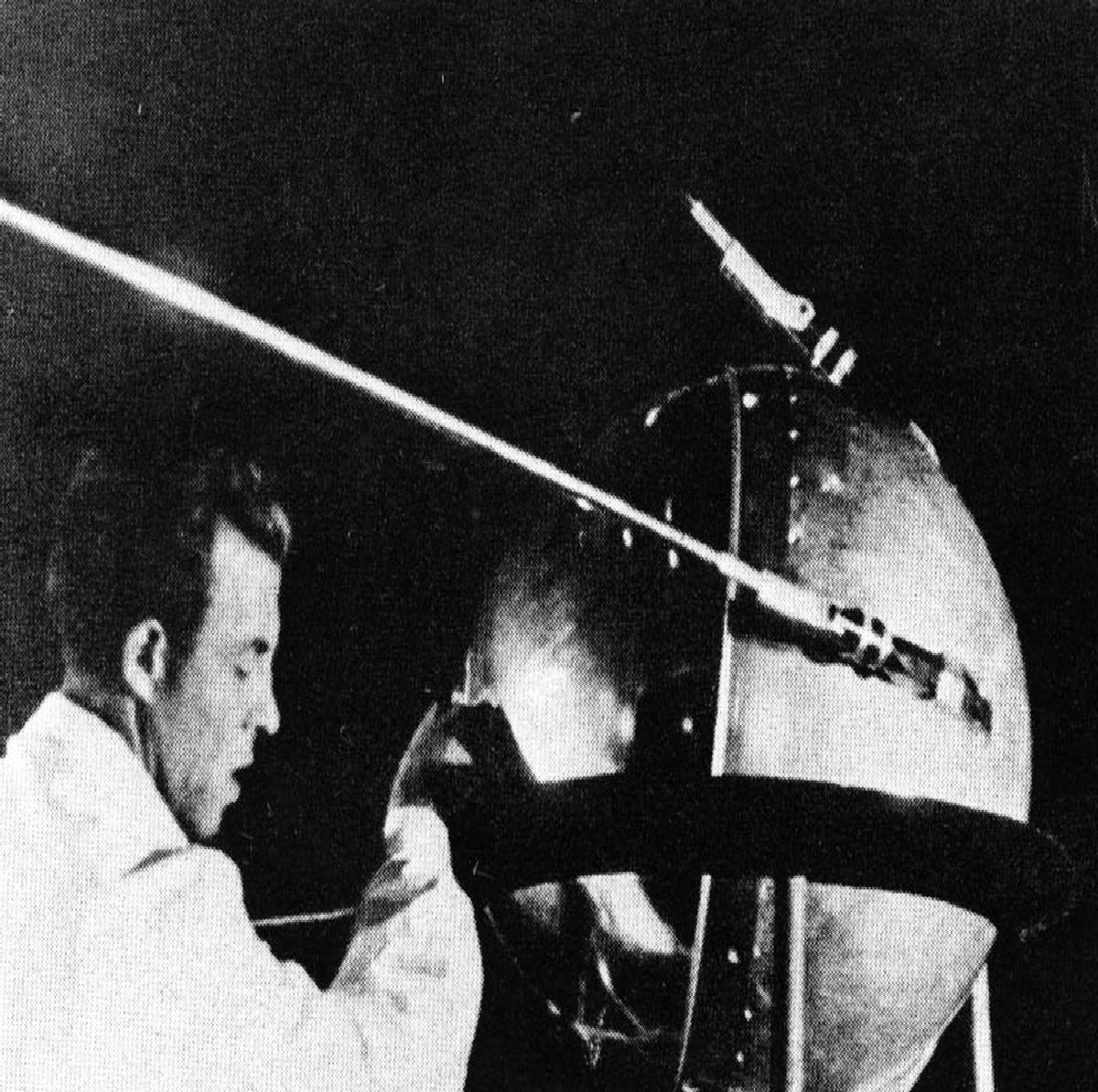 an introduction to the history of the sputnik program Background the sputnik program was a series of five space missions launched by the soviet union in the late 1950s there are a variety of other classes of soviet spacecraft that are referred to as sputniks by americans, however only the first five were part of the soviet sputnik program.