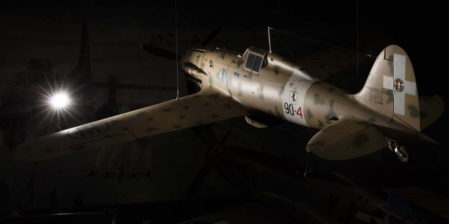 Lighting of aircraft creates a slight glare.