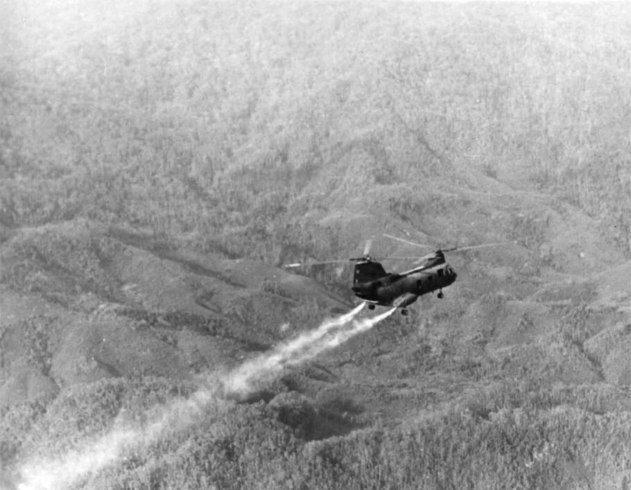 CH-46 Jettisons Fuel