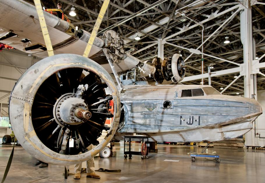 Sikorksky JRS-1 and Engine