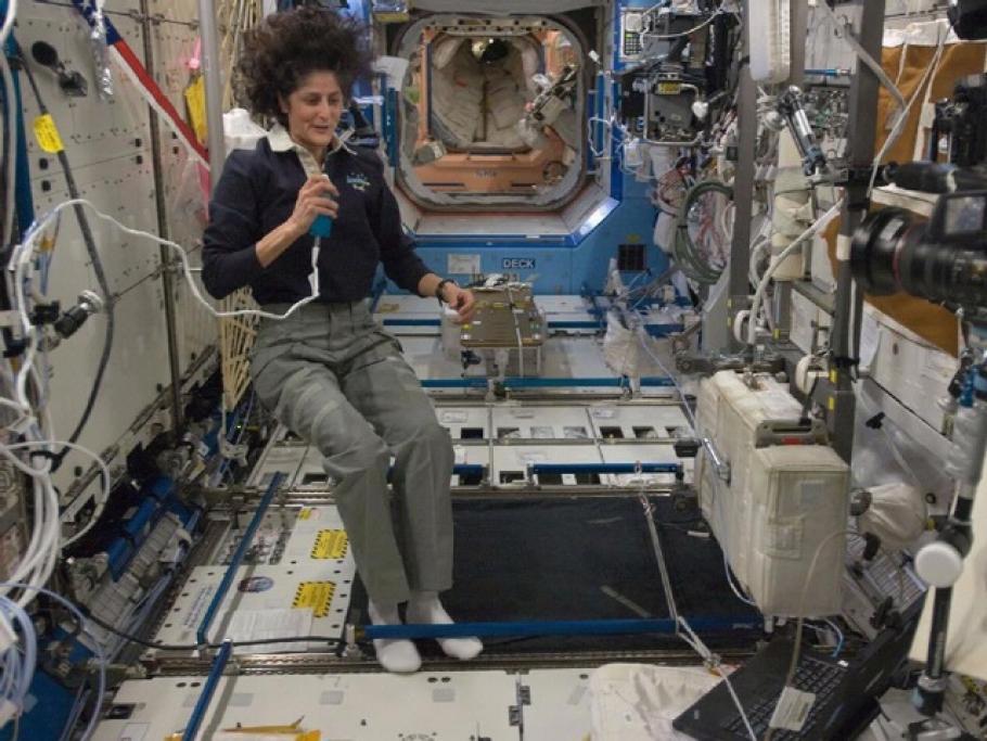 Commander Suni Williams in Destiny Lab
