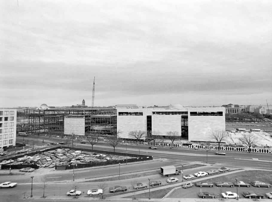 Construction of the National Air and Space Museum
