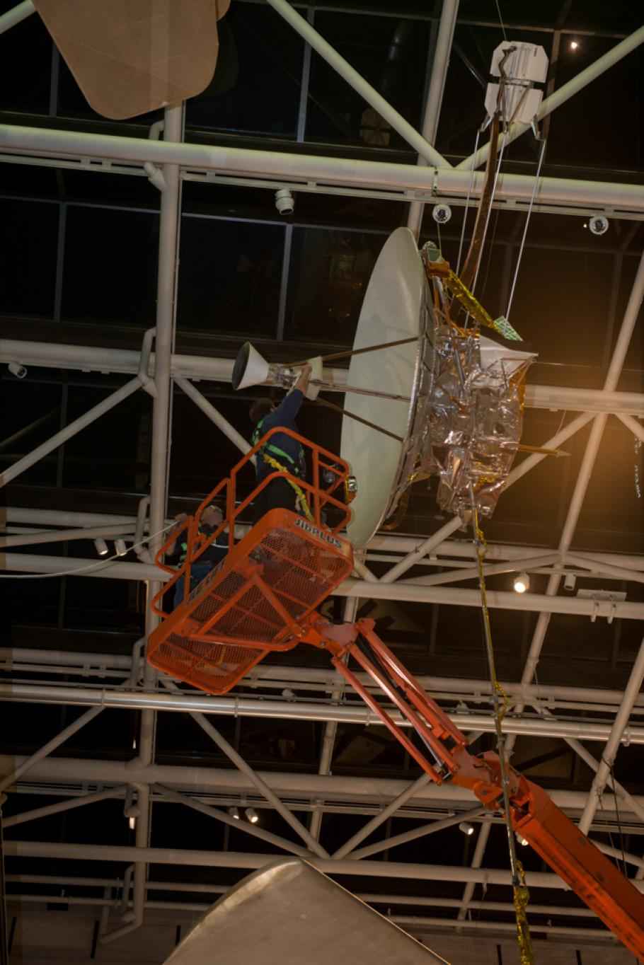 Moving Pioneer 10 / 11
