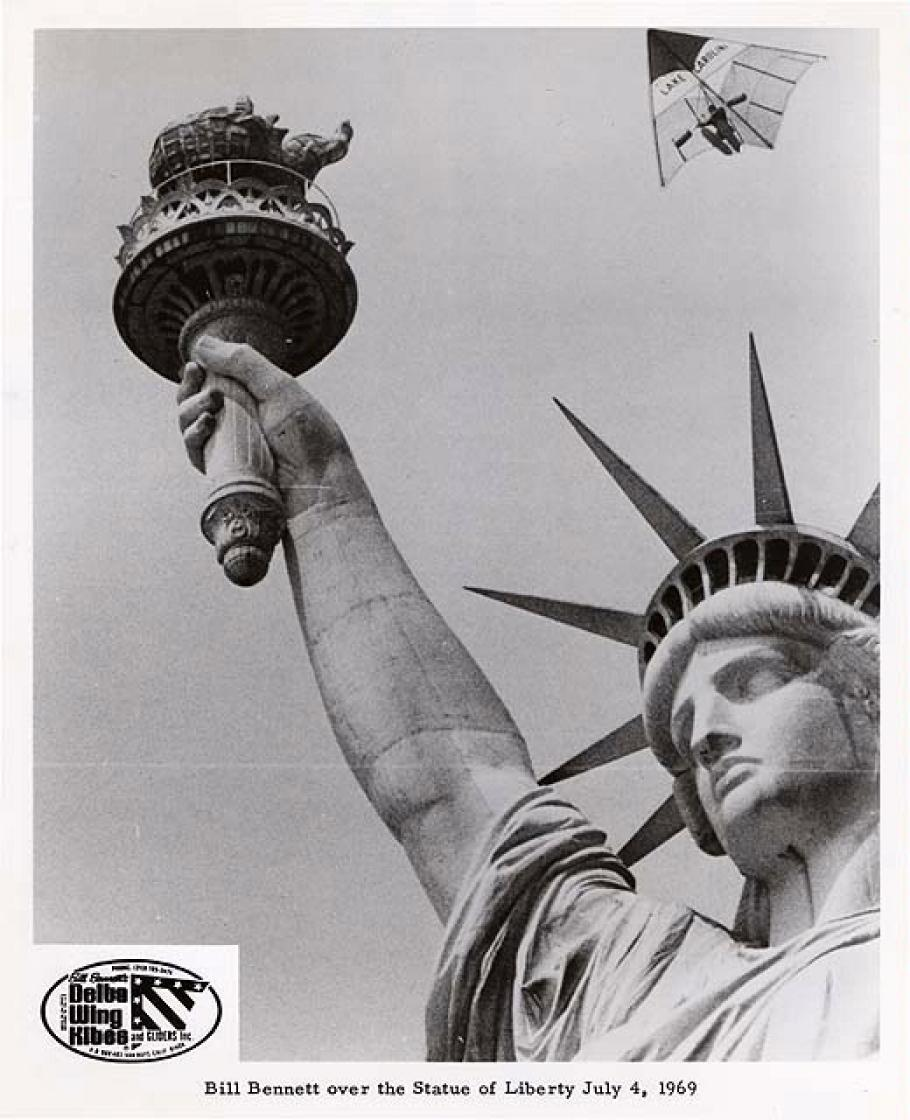 Bill Bennett Hang Gliding over the Statue of Liberty