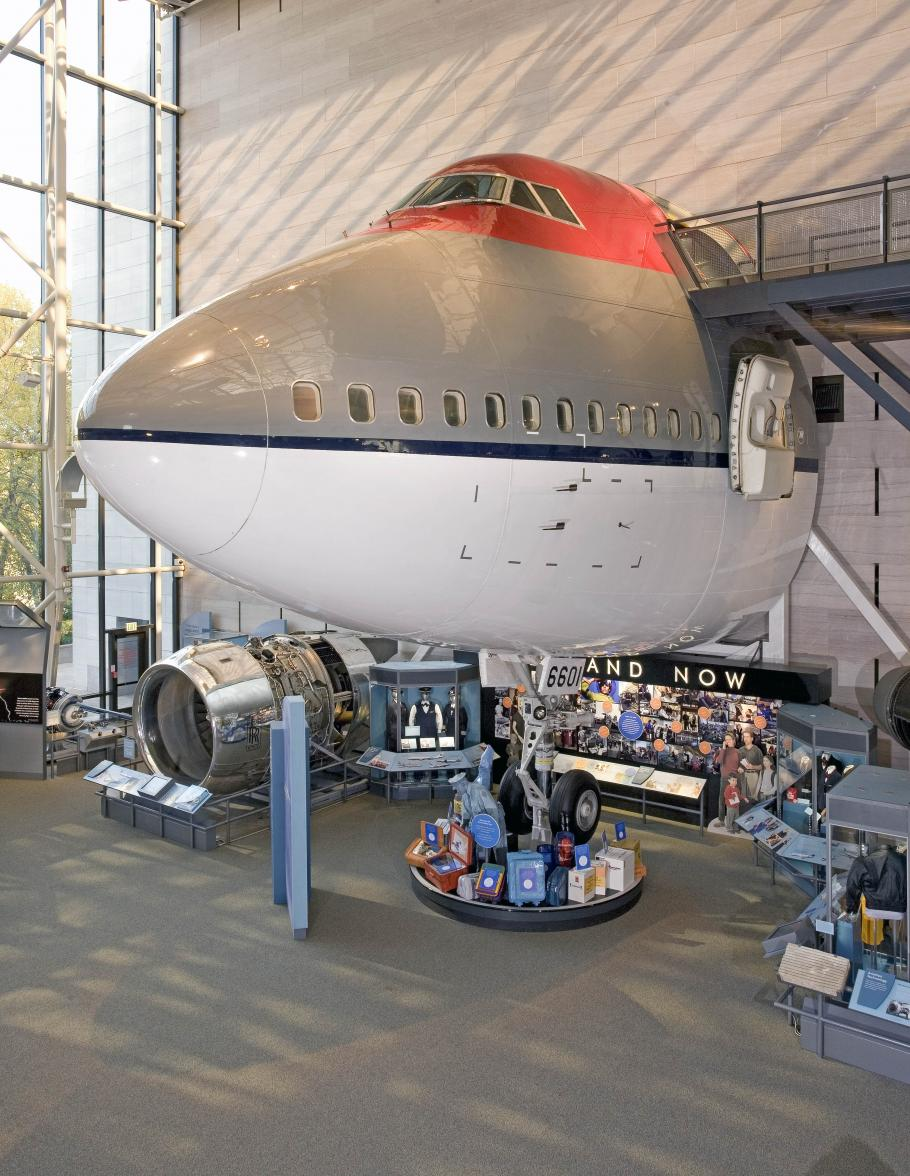 Boeing 747 Forward Fuselage on display in America by Air