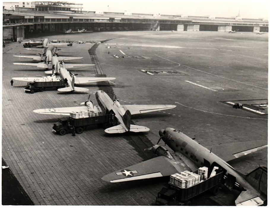 Operation Vittles, Berlin Airlift, Douglas C-47, Tempelhof Airport, Berlin
