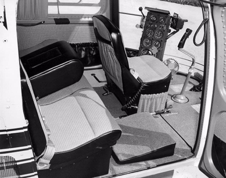 Bell H-13J Cockpit
