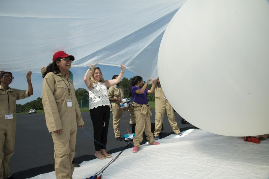 Middle schoolers launch a weather balloon