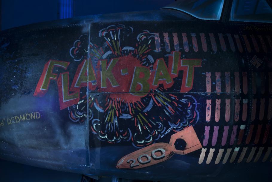 UV photo of Flak-Bait painting