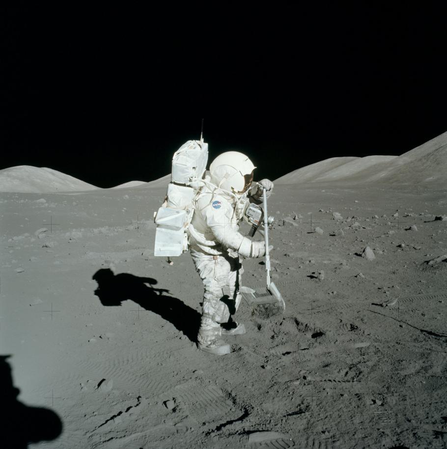 Apollo Schmitt on Moon