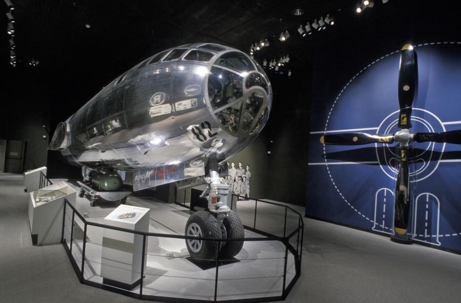 Boeing B-29 Superfortress <em>Enola Gay</em>