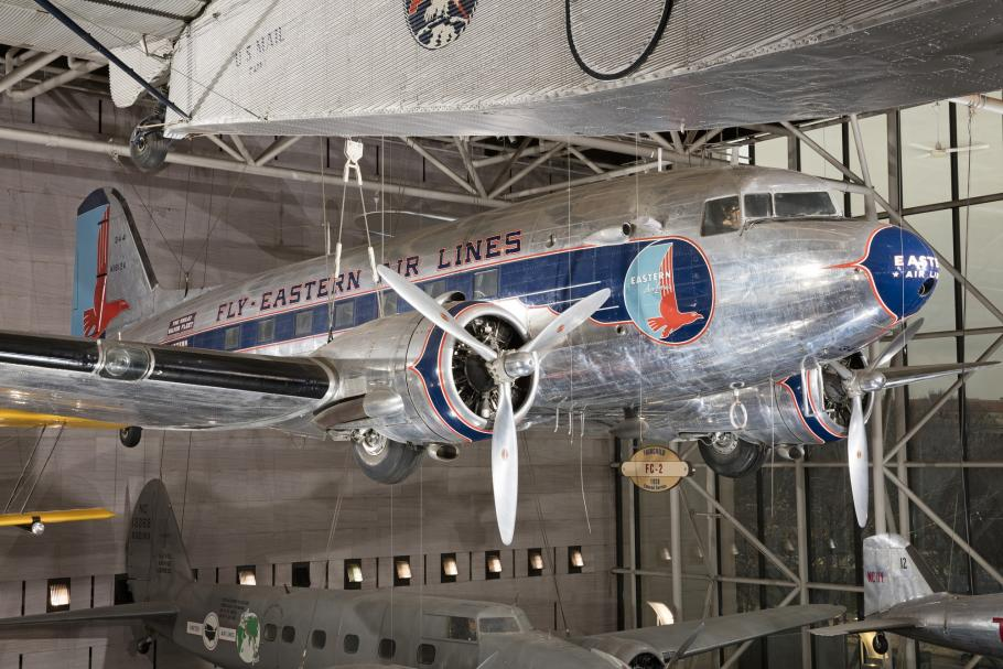 Douglas DC-3 (A19530075000)