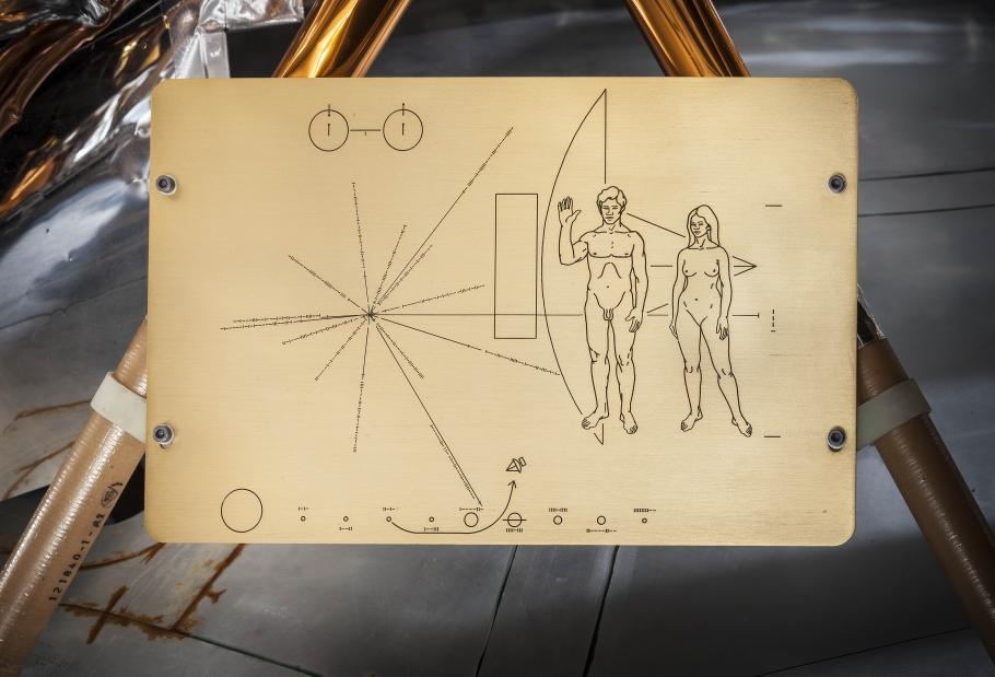 plaque on the pioneer spacecraft