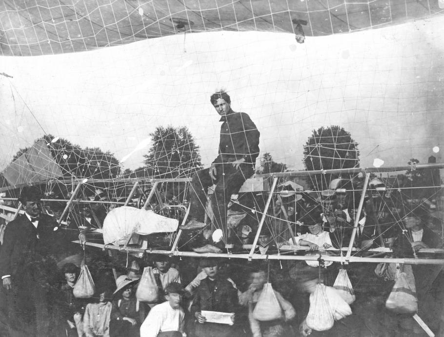 Man in an airship