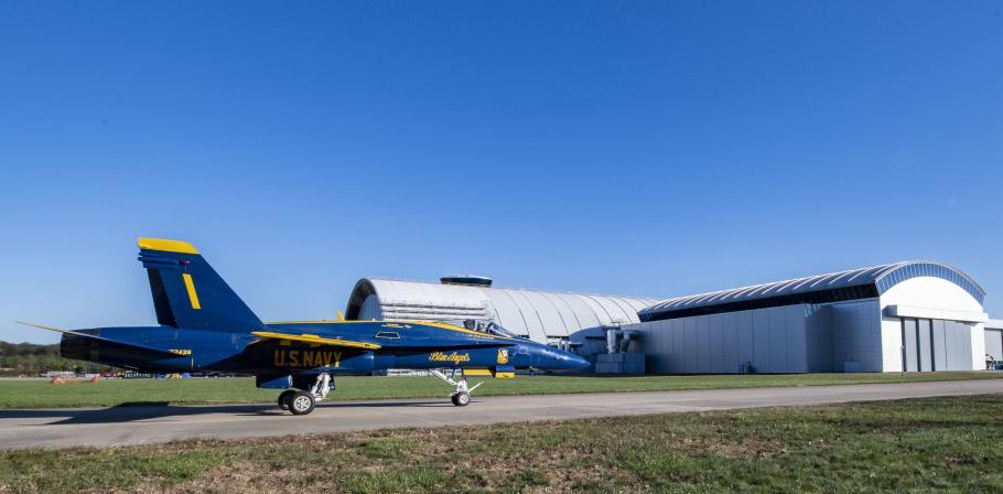 Blue Angel F/A-18C Hornet arrives at the Steven F. Udvar-Hazy Center