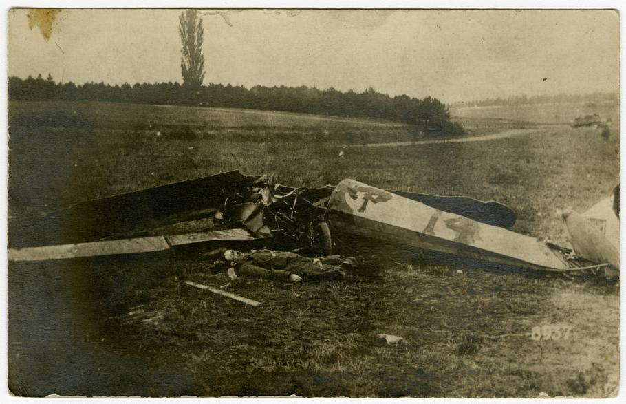 The body of Quentin Roosevelt beside his crashed aircraft.