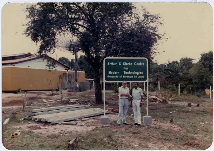 Rthur C. Clarke and a Sri Lankan colleague on the construction site for the Arthur C. Clarke Institute for Modern Technologies, 1983.