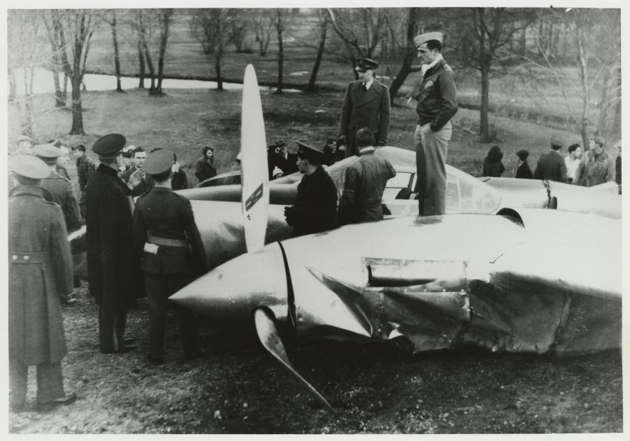 wrecked XP-38