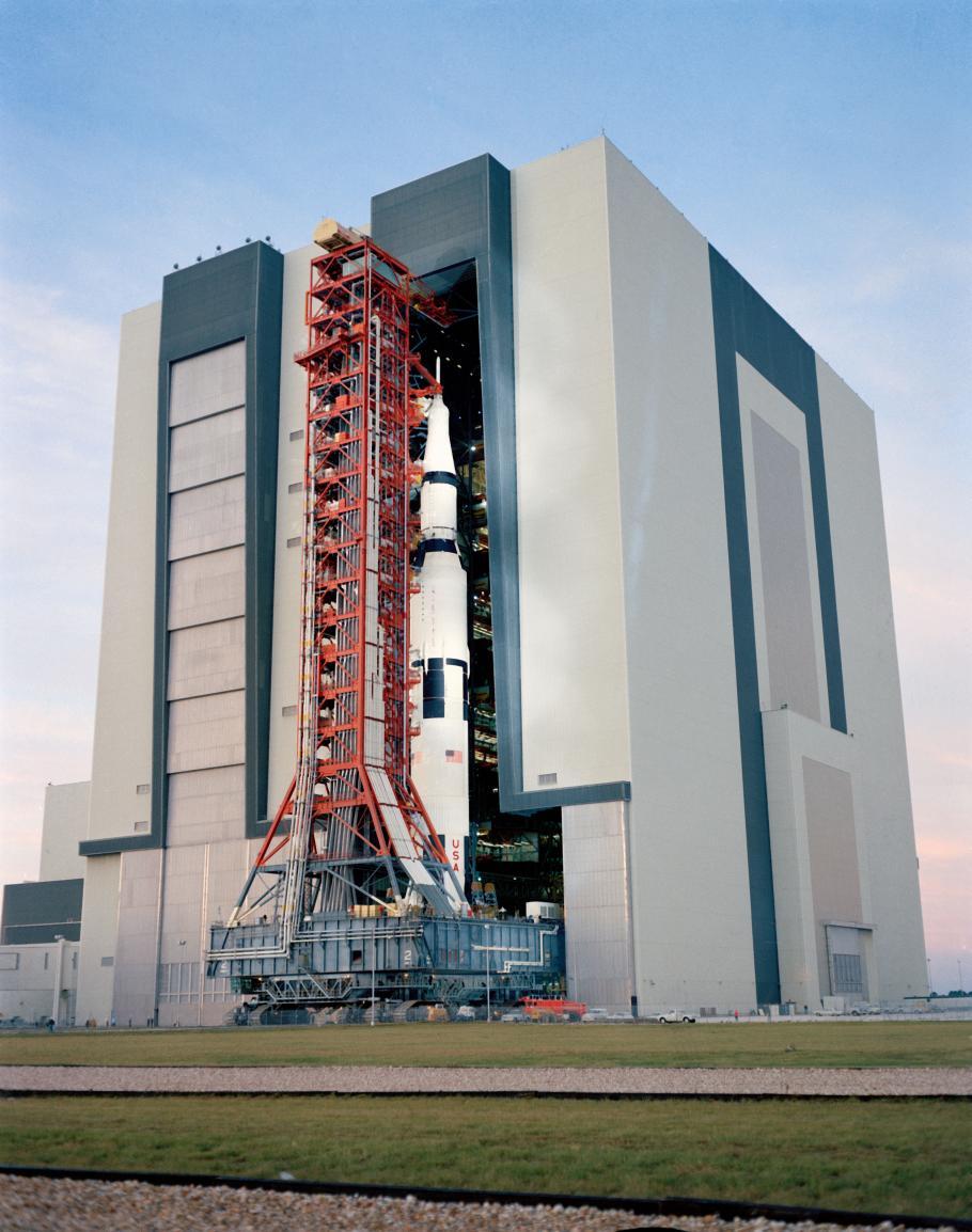 Saturn V exits large building