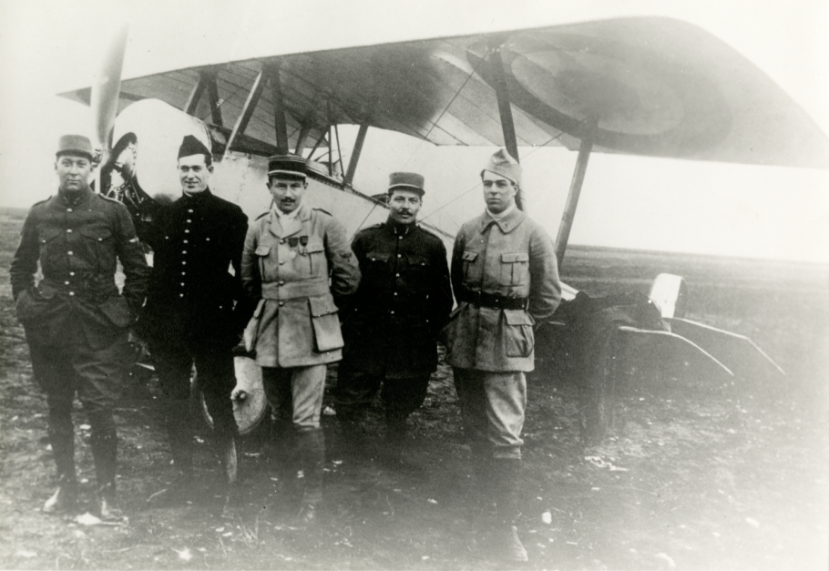 Informal group photograph of early Lafayette Escadrille members