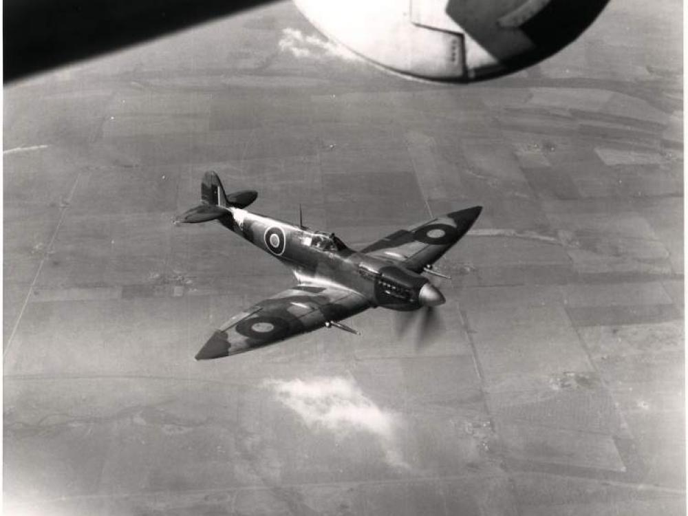 Photo of Supermarine Spitfire in flight