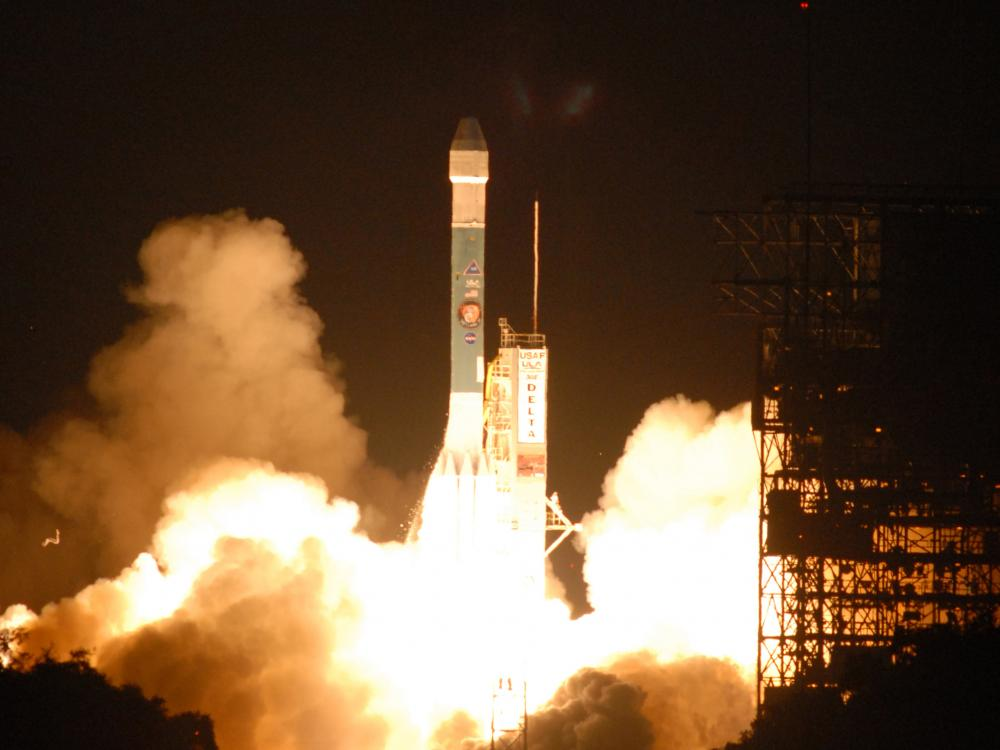 Image of Phoenix Lander launching from Delta Rocket