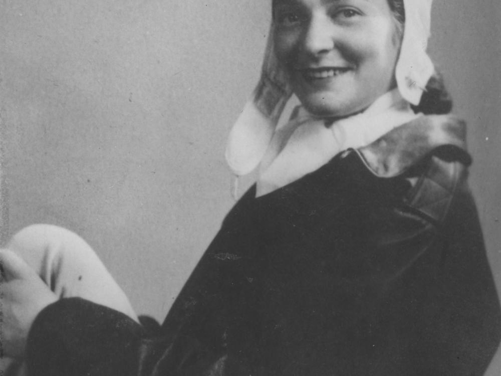 """Portrait of Bernice """"Bee"""" Falk Haydu in 1944"""