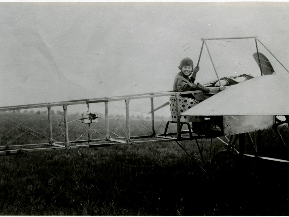 Matilde Moisant in Airplane