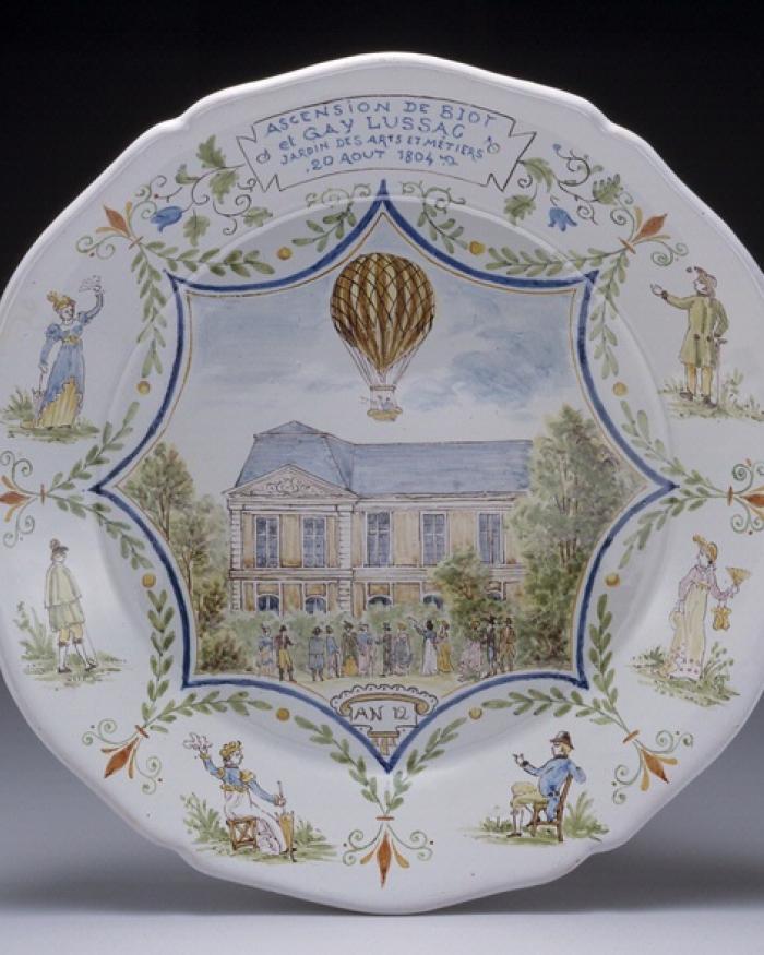 Balloonamania Ceramic Plate at Udvar-Hazy Center
