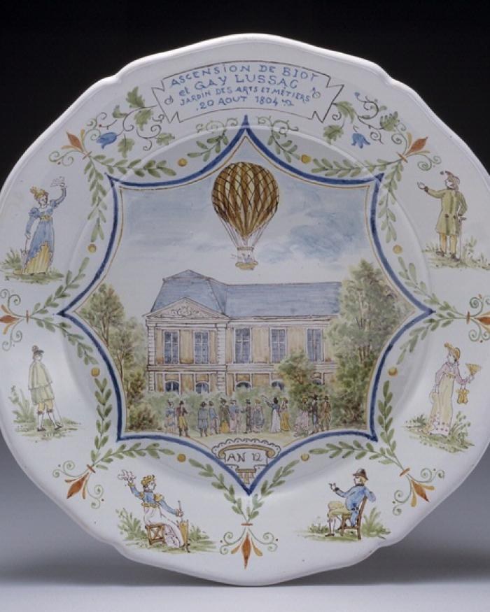 Balloonamania Ceramic Plate at Udvar-Hazy Center