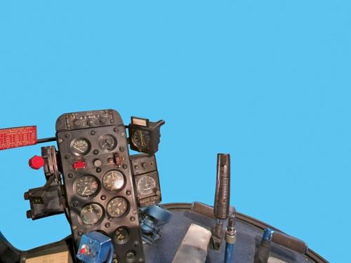 Panorama of Bell H-13J Pilot Seat in the cockpit