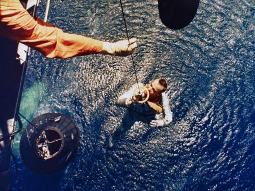 Alan Shepard picked-up Marine helicopter after sub-orbital flight