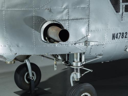 View of landing gear and a valve of a helicopter.
