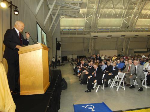 Glenn Inaugurates Lecture Series at Udvar-Hazy